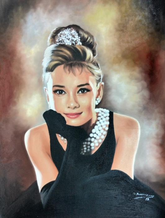 Audrey Hepburn by wisewyn